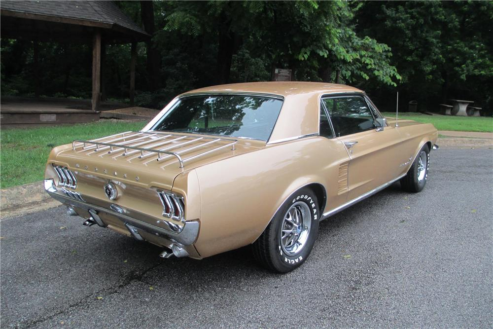 1967 FORD MUSTANG - Rear 3/4 - 185576