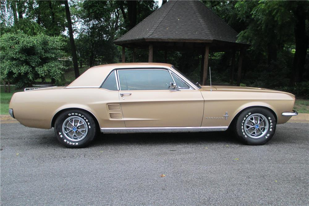 1967 FORD MUSTANG - Side Profile - 185576