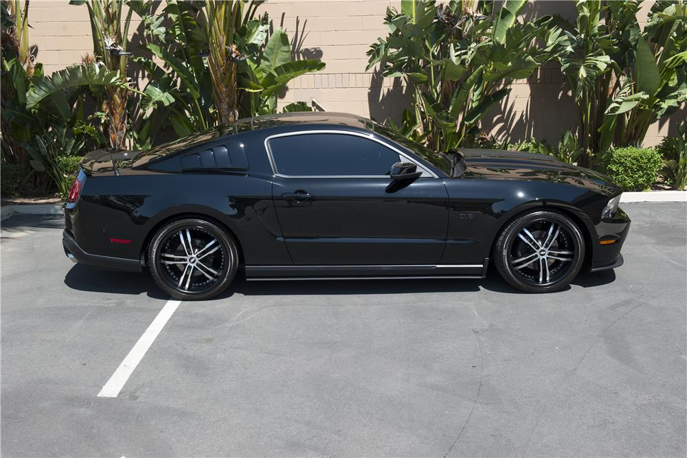 2011 FORD MUSTANG CUSTOM DUB EDITION - Side Profile - 185588