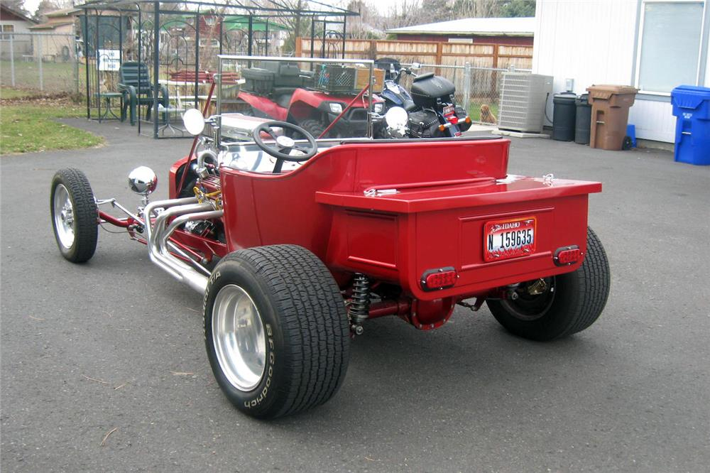 1923 FORD T-BUCKET ROADSTER - Rear 3/4 - 185598