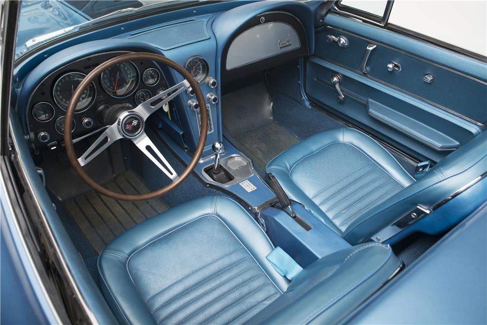 1967 CHEVROLET CORVETTE 427 CONVERTIBLE - Interior - 185616