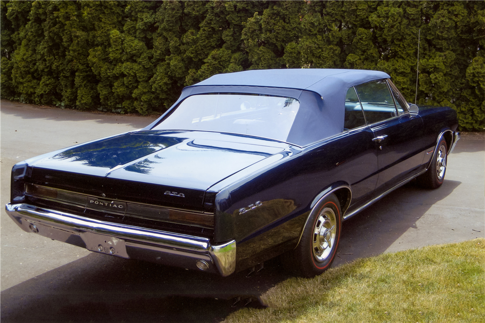 1964 PONTIAC GTO CONVERTIBLE - Rear 3/4 - 185634