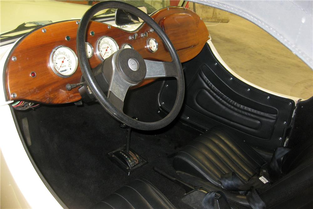 1939 JAGUAR SS 100 CUSTOM ROADSTER - Interior - 185642