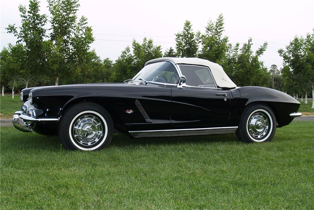 1962 CHEVROLET CORVETTE CONVERTIBLE - Side Profile - 185658