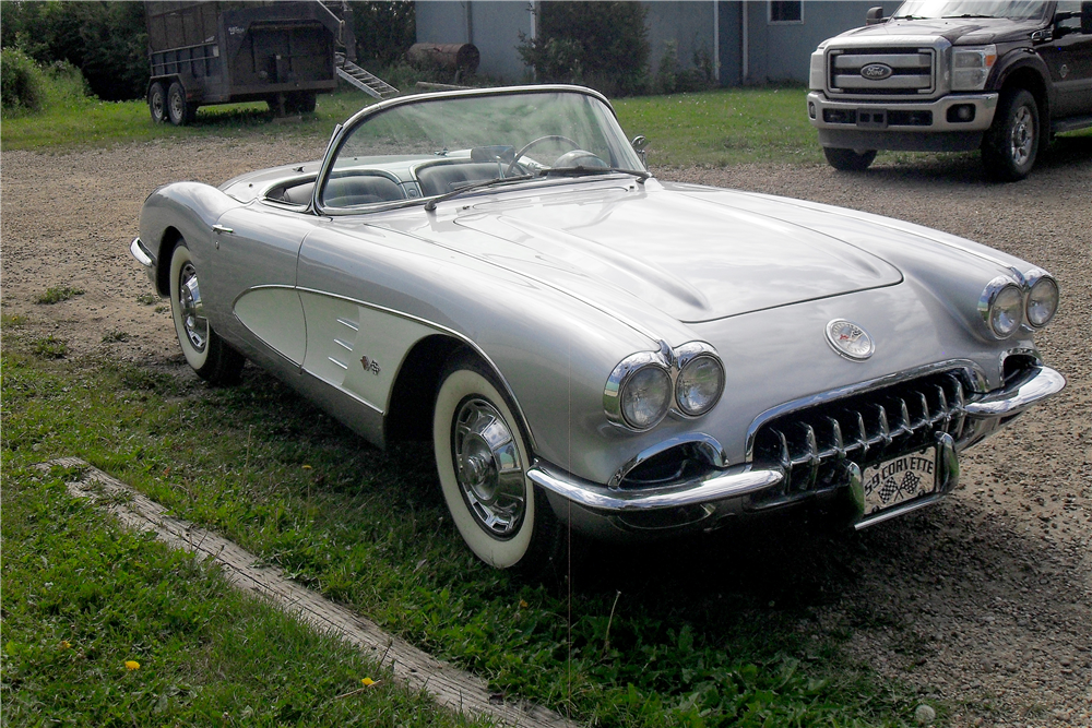 1959 CHEVROLET CORVETTE CONVERTIBLE - Front 3/4 - 185721