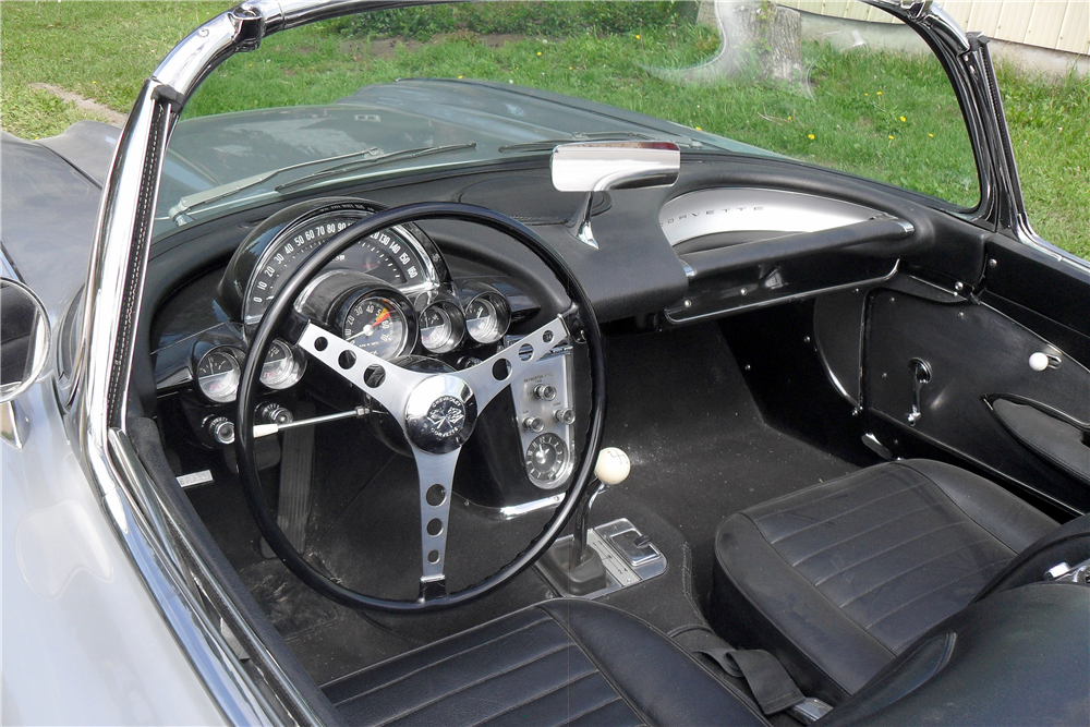 1959 CHEVROLET CORVETTE CONVERTIBLE - Interior - 185721