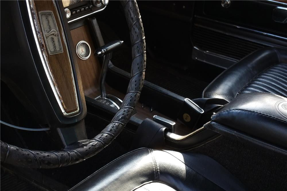 1968 SHELBY GT350 FASTBACK - Interior - 185781
