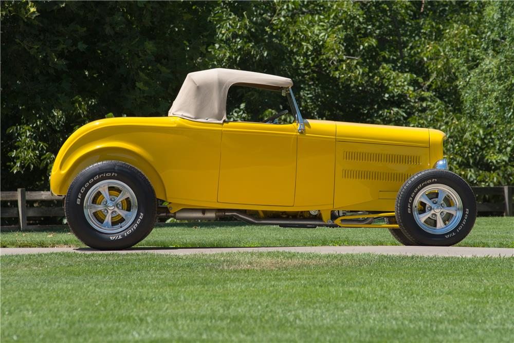 1932 FORD HI-BOY CUSTOM ROADSTER - Side Profile - 185786