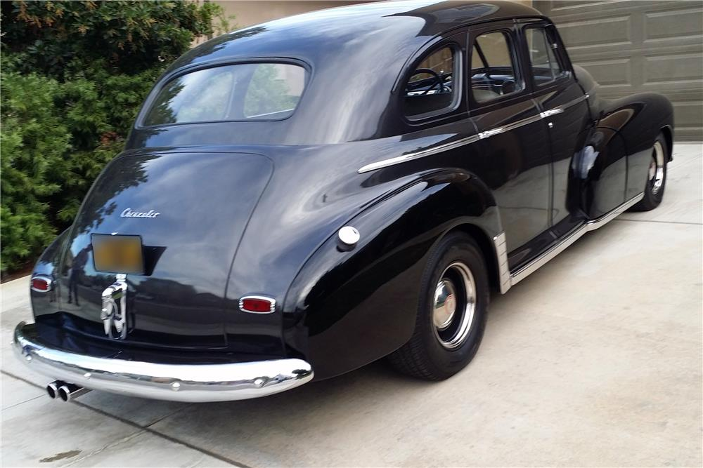 1946 CHEVROLET 4-DOOR SEDAN - Rear 3/4 - 185819