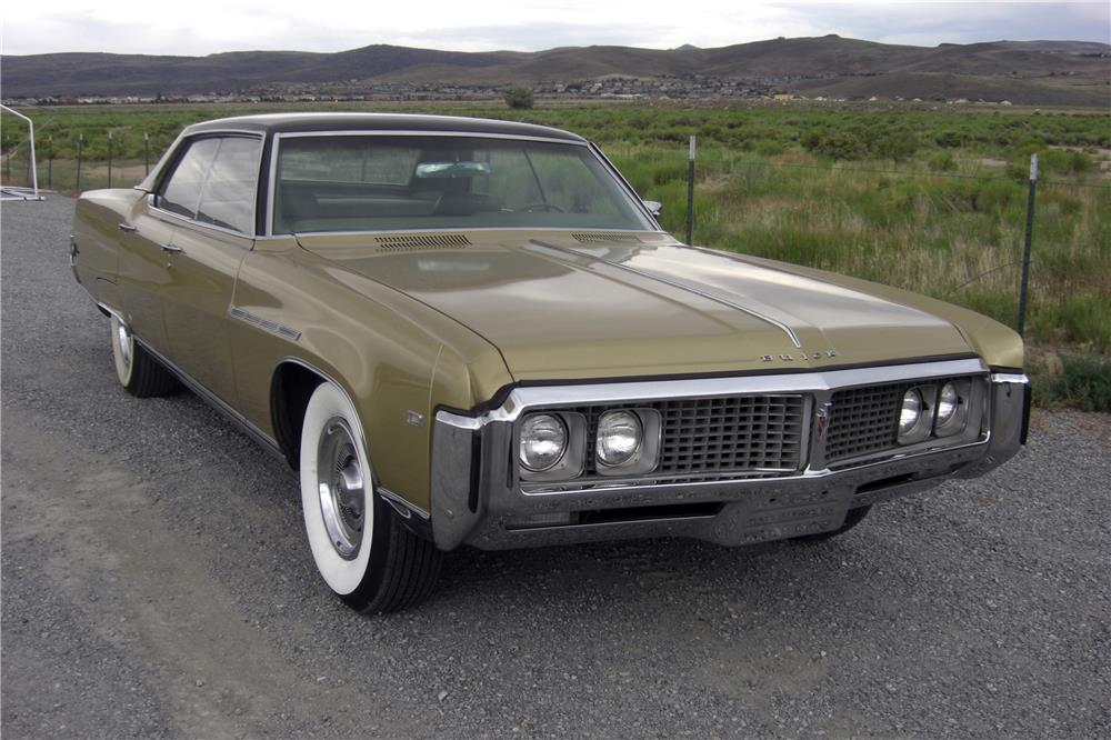 1969 BUICK ELECTRA 225 - Front 3/4 - 185832