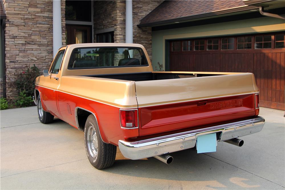 1986 CHEVROLET C-10 CUSTOM PICKUP - Rear 3/4 - 185834