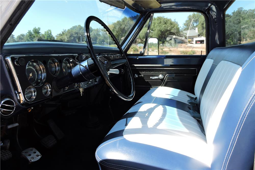 1972 CHEVROLET CHEYENNE PICKUP - Interior - 185851