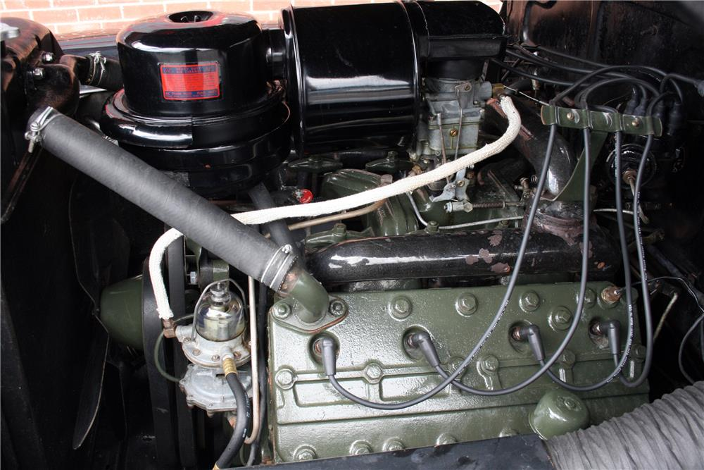 1942 CADILLAC SERIES 61 SEDAN - Engine - 185862