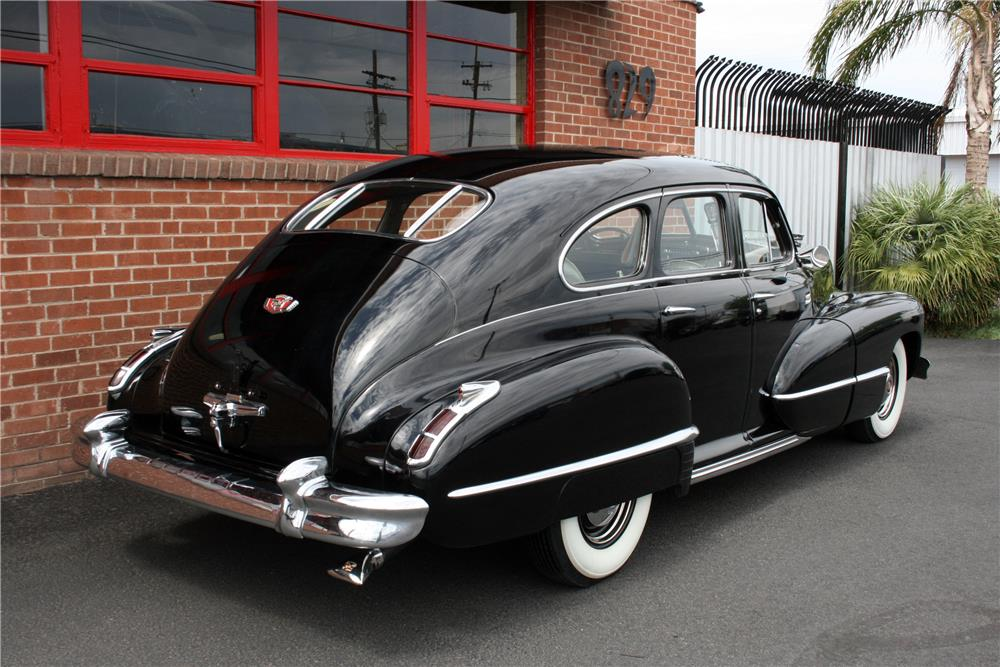 1942 CADILLAC SERIES 61 SEDAN - Rear 3/4 - 185862