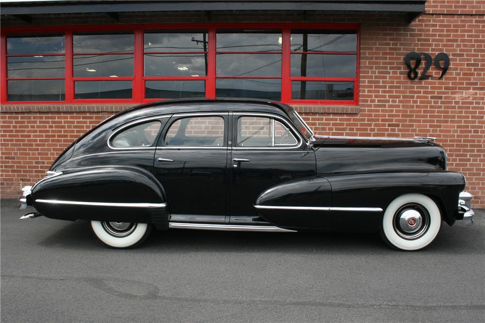 1942 CADILLAC SERIES 61 SEDAN - Side Profile - 185862