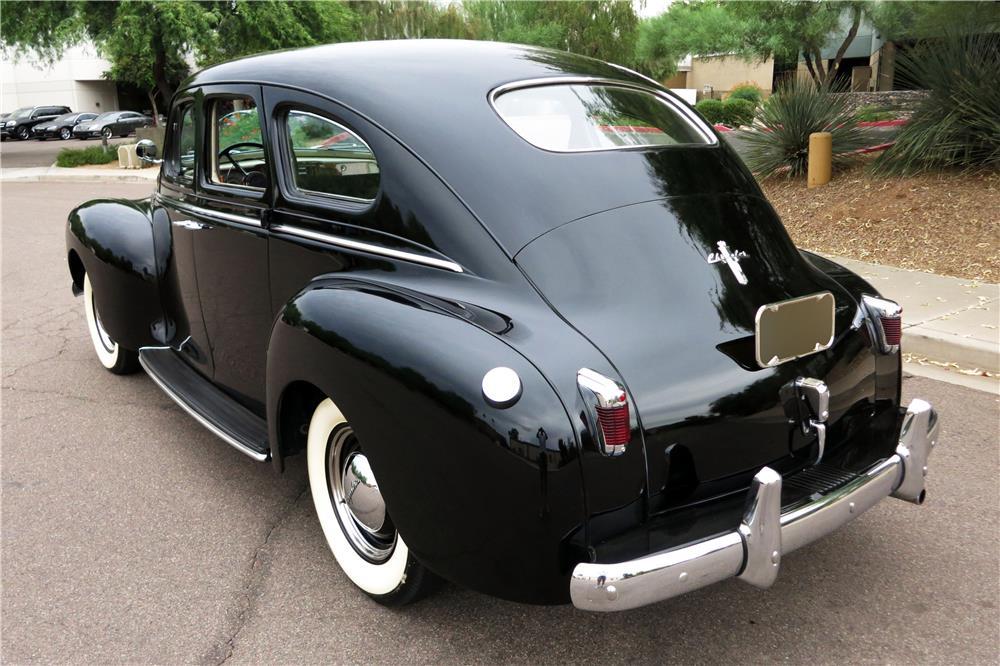 1940 CHRYSLER WINDSOR 4-DOOR - Rear 3/4 - 185873
