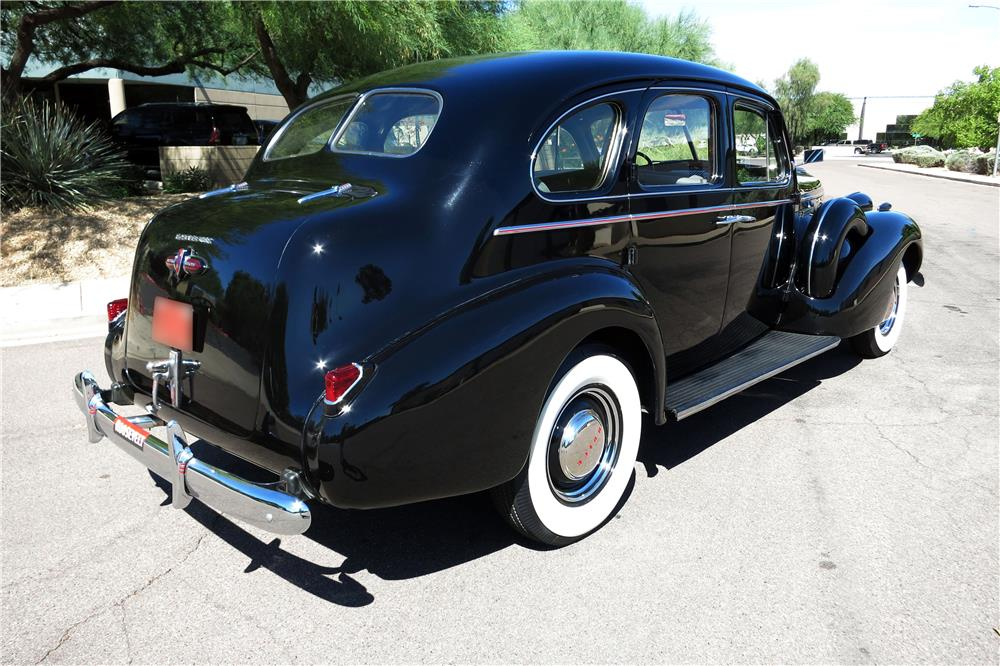 1939 BUICK ROADMASTER SERIES 80 TOURING SEDAN - 185875