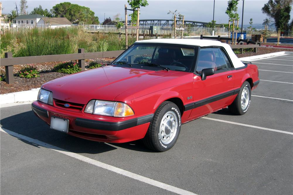 1989 FORD MUSTANG CONVERTIBLE - Front 3/4 - 185889