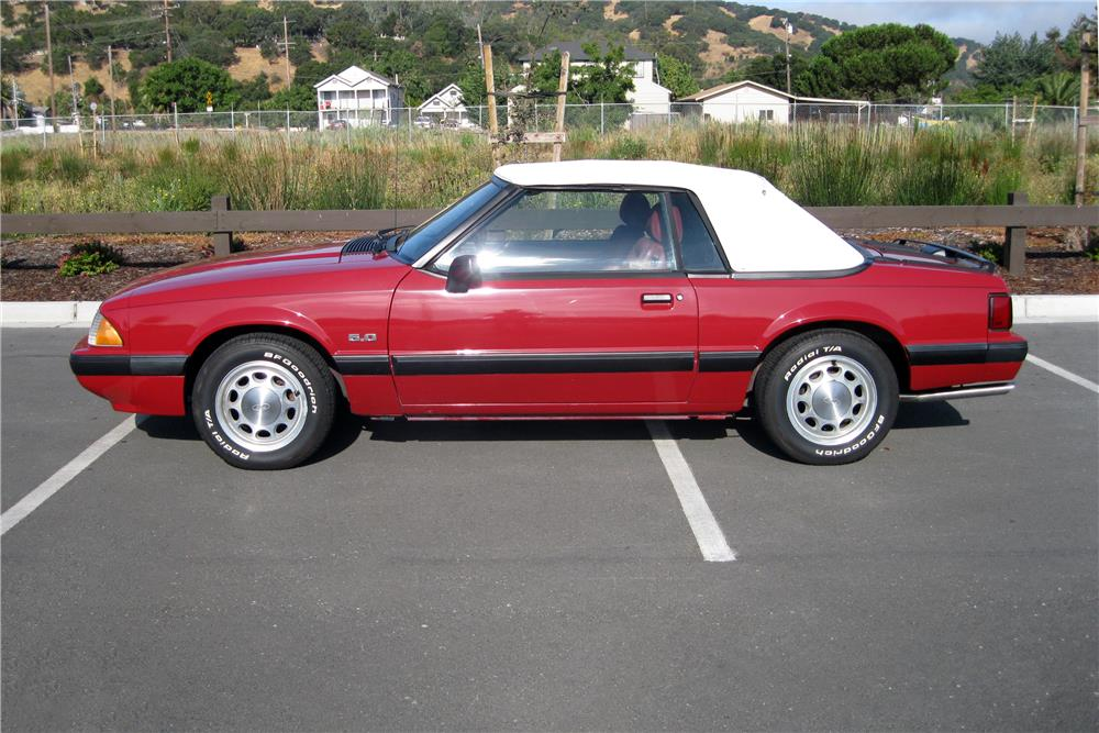 1989 FORD MUSTANG CONVERTIBLE - Side Profile - 185889