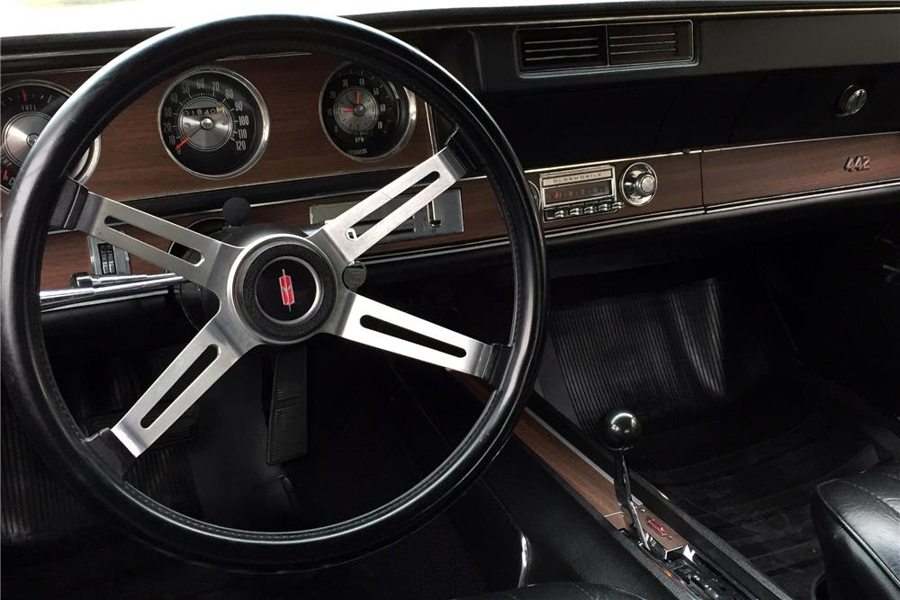 1971 OLDSMOBILE 442 W30 CONVERTIBLE - Interior - 185890