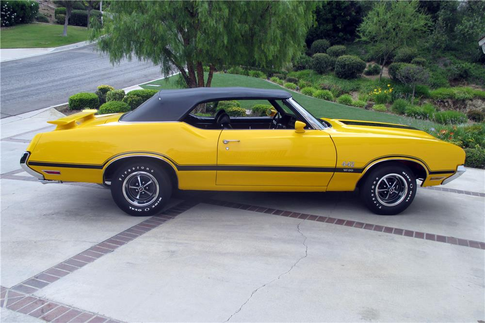 1971 OLDSMOBILE 442 W30 CONVERTIBLE - Side Profile - 185890