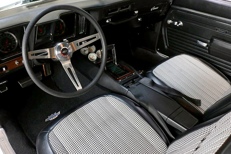 1969 CHEVROLET CAMARO YENKO RE-CREATION - Interior - 185930