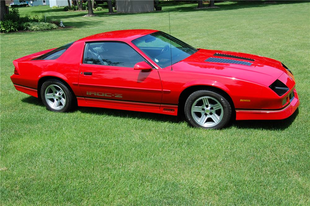 1990 chevrolet camaro iroc z 28 185934. Black Bedroom Furniture Sets. Home Design Ideas