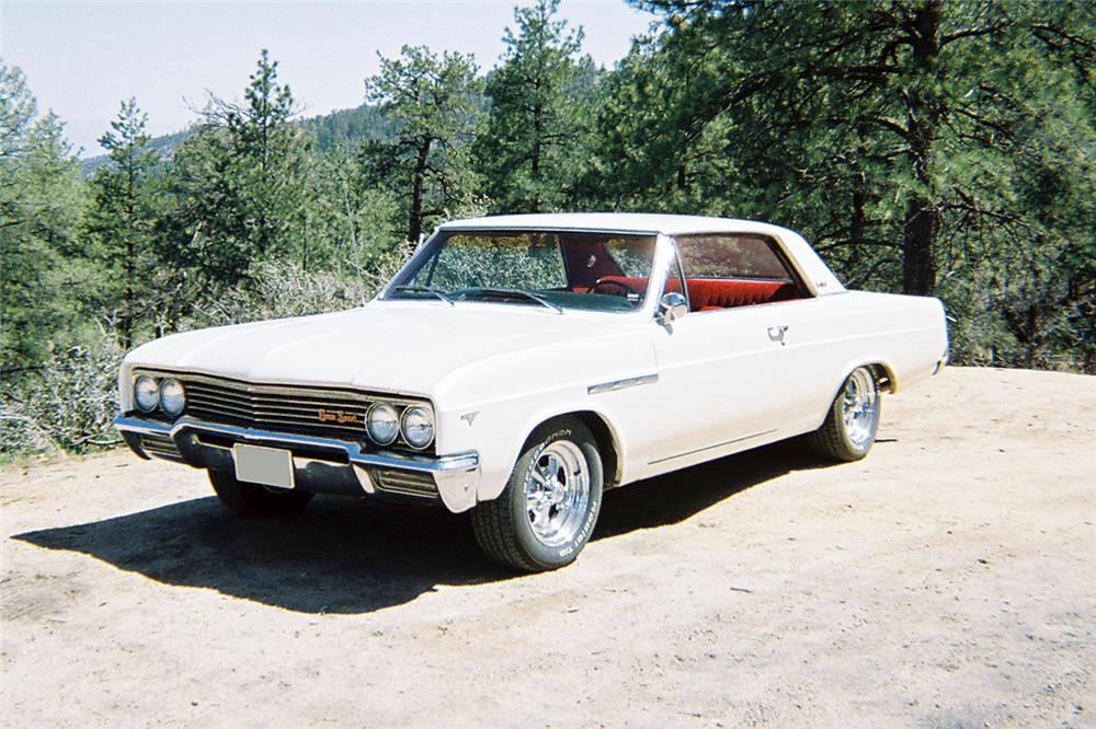 1965 BUICK GRAN SPORT - Front 3/4 - 186015