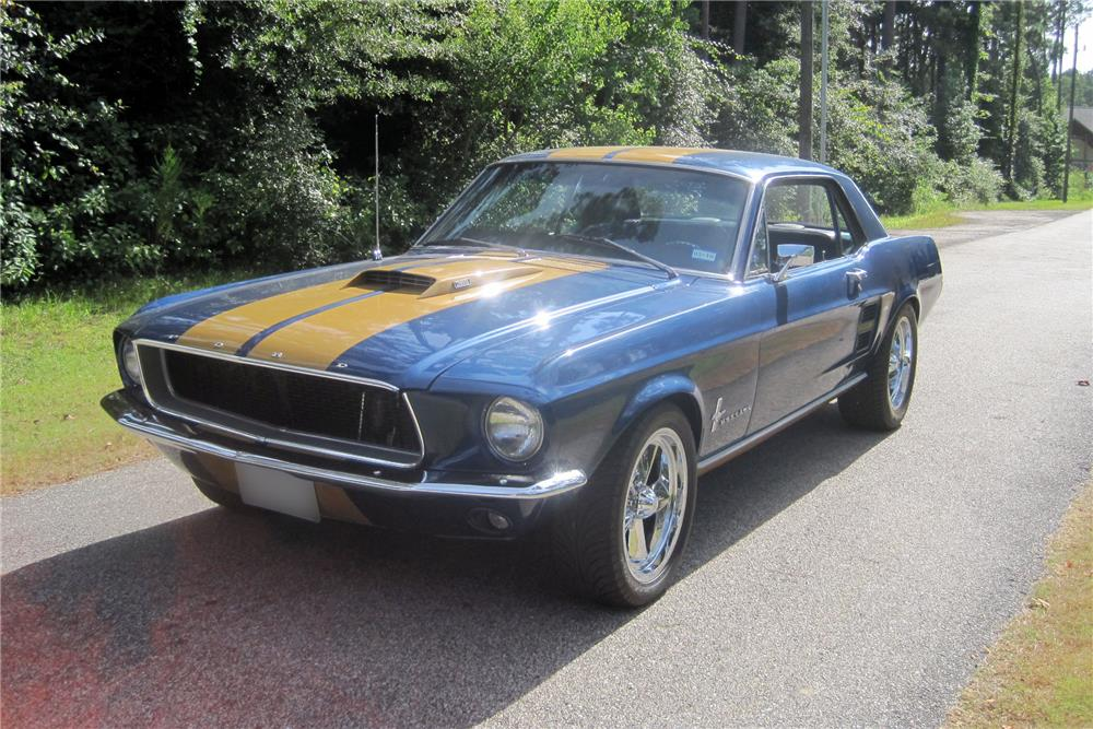 1967 FORD MUSTANG - Front 3/4 - 186021