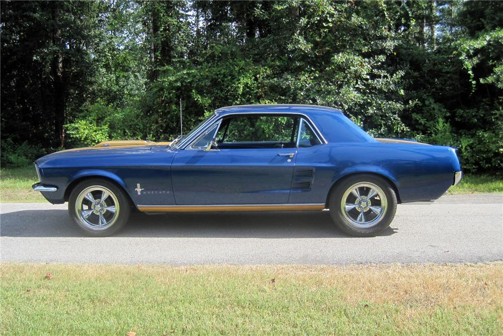 1967 FORD MUSTANG - Side Profile - 186021