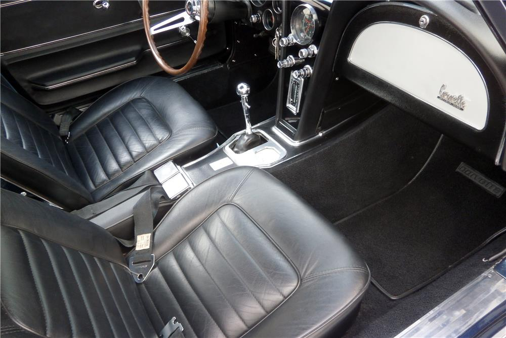 1966 CHEVROLET CORVETTE 427/425 - Interior - 186456