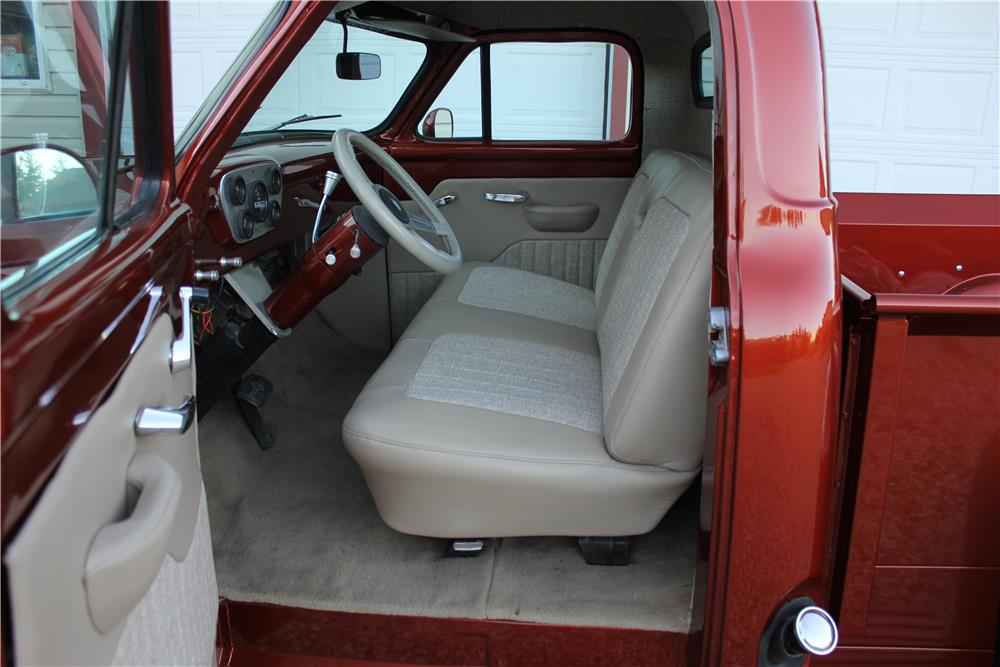 1956 FORD F-100 CUSTOM PICKUP - Interior - 186462