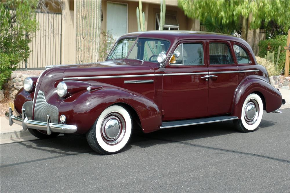 1939 BUICK SERIES 40 4-DOOR SEDAN - Front 3/4 - 186876