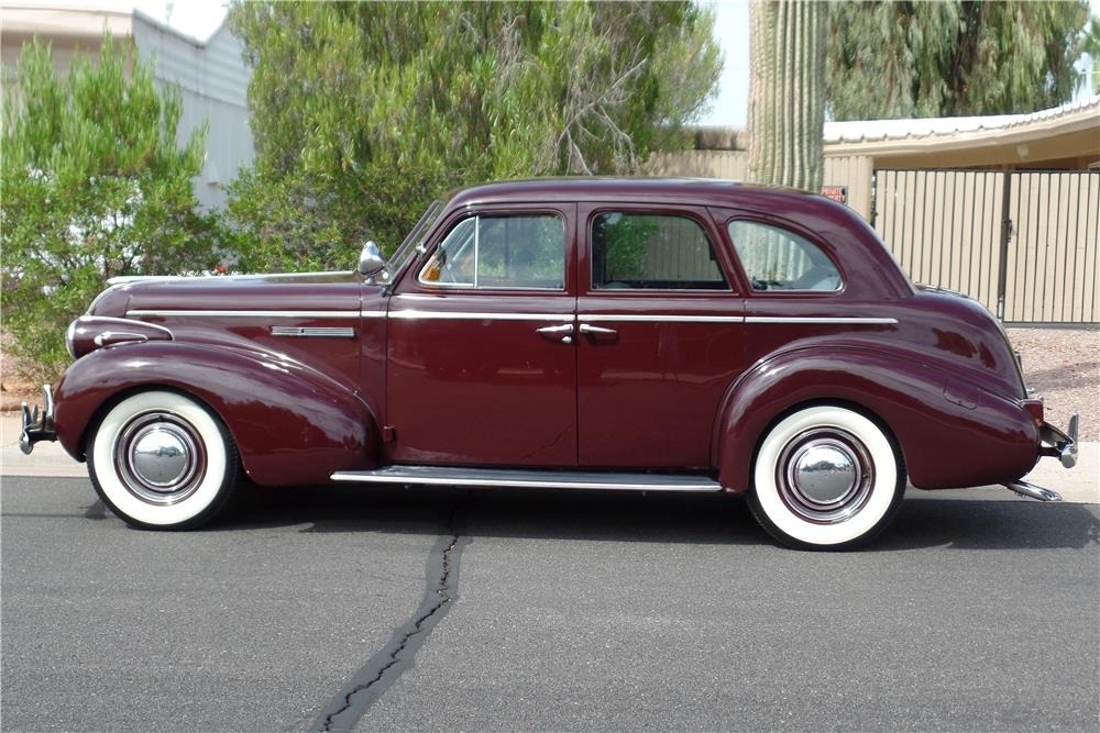 1939 BUICK SERIES 40 4-DOOR SEDAN - Side Profile - 186876