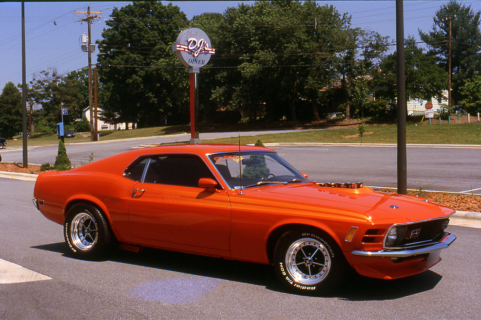 1970 FORD MUSTANG CUSTOM FASTBACK - Front 3/4 - 186882