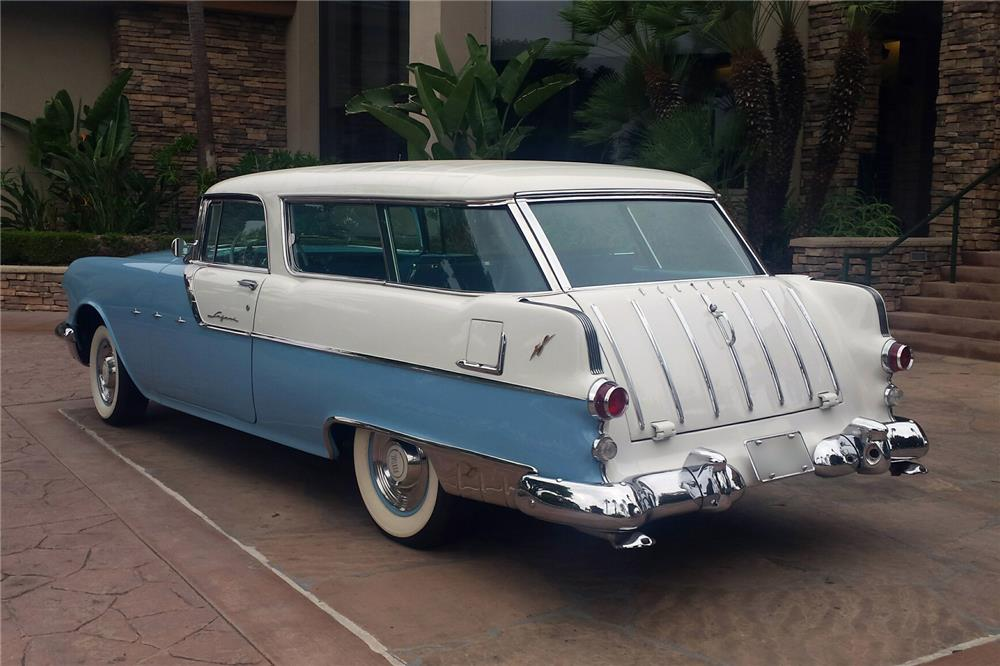 1955 PONTIAC SAFARI WAGON - Rear 3/4 - 186896