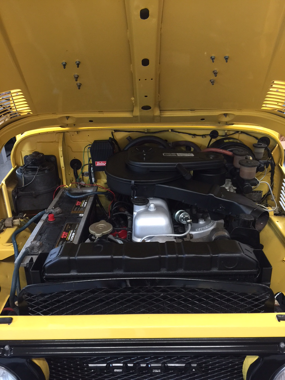 1974 TOYOTA LAND CRUISER FJ-40  - Engine - 186911