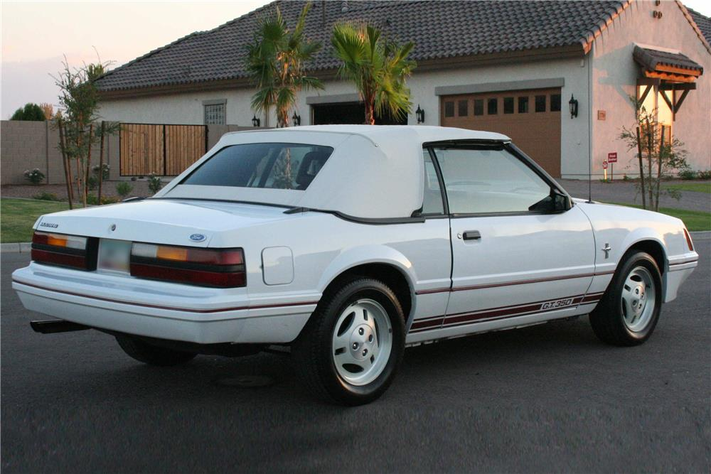1984 FORD MUSTANG GT CONVERTIBLE - Rear 3/4 - 186921
