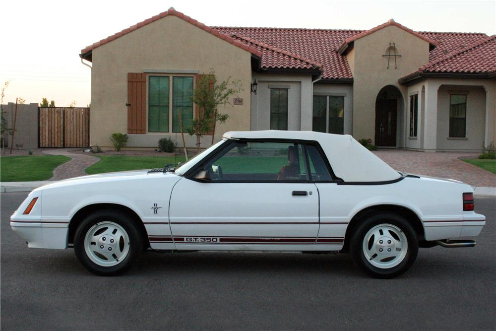 1984 FORD MUSTANG GT CONVERTIBLE - Side Profile - 186921
