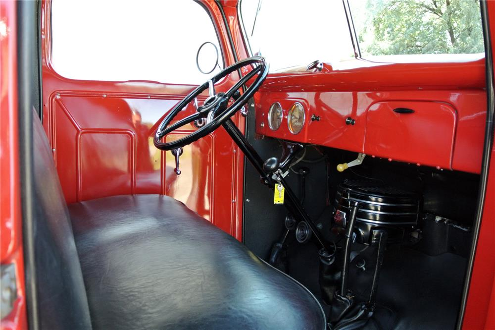 1939 FORD 1-1/2-TON PICKUP - Interior - 186933