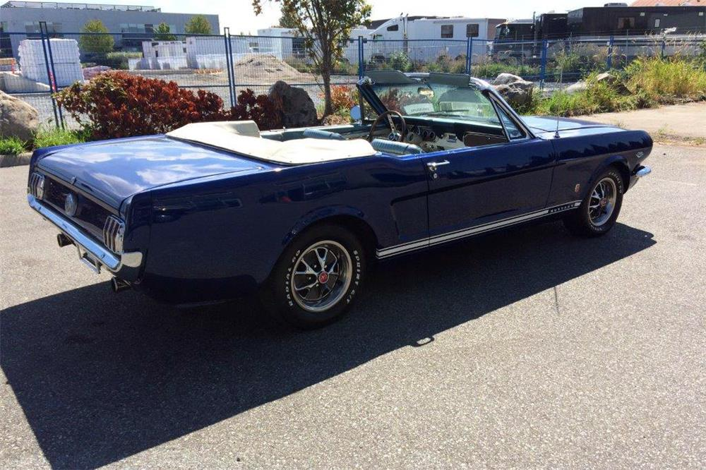 1966 FORD MUSTANG CONVERTIBLE - Rear 3/4 - 186962