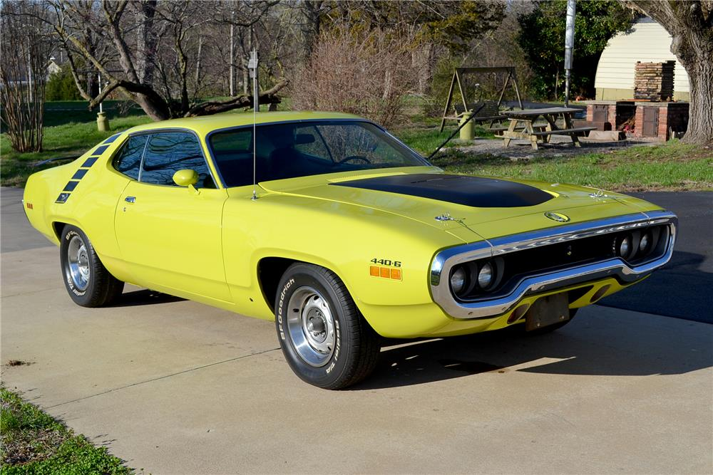 1971 PLYMOUTH ROAD RUNNER - Front 3/4 - 186969
