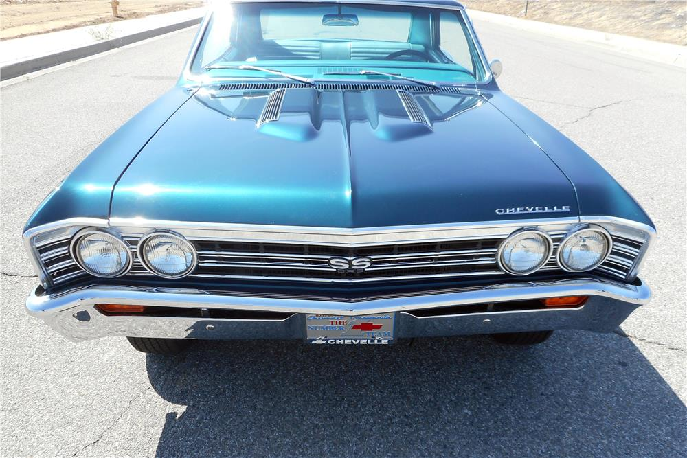 1967 CHEVROLET CHEVELLE SS 396 - Front 3/4 - 186986