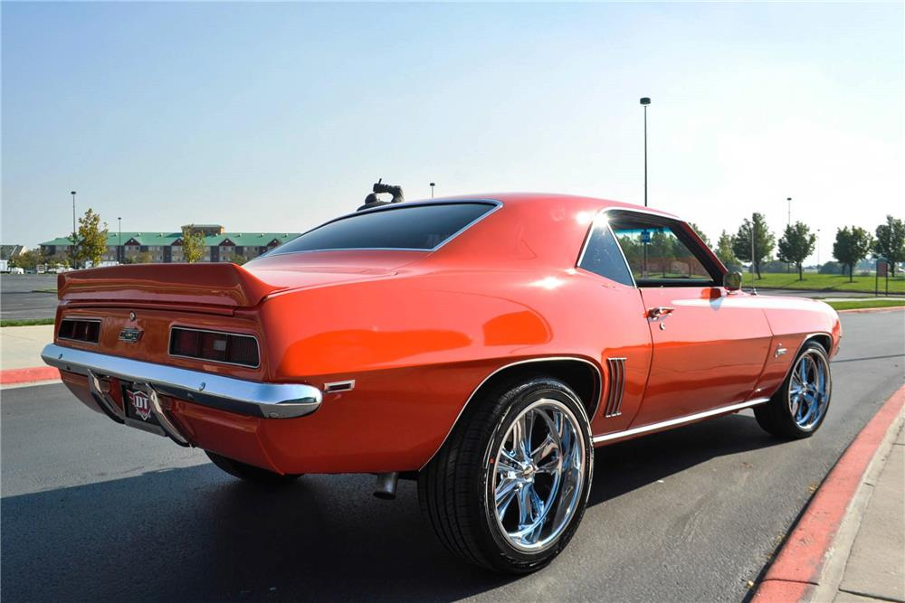 1969 CHEVROLET CAMARO CUSTOM COUPE - Rear 3/4 - 187035