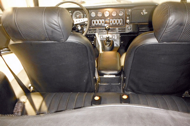 1973 JAGUAR XKE 2+2 - Interior - 187064
