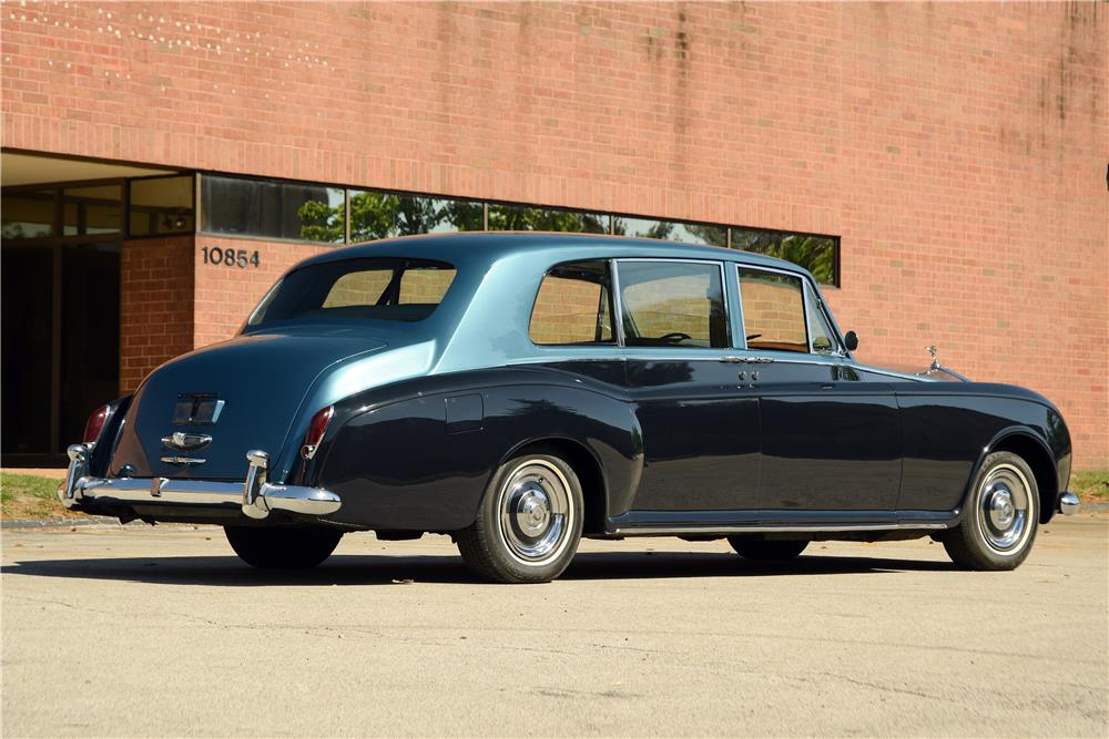 1962 ROLLS-ROYCE PHANTOM V LIMOUSINE - Rear 3/4 - 187073