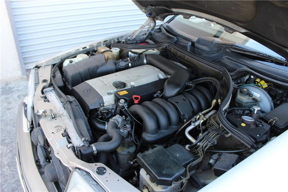 1994 MERCEDES-BENZ E320 CONVERTIBLE - Engine - 187091