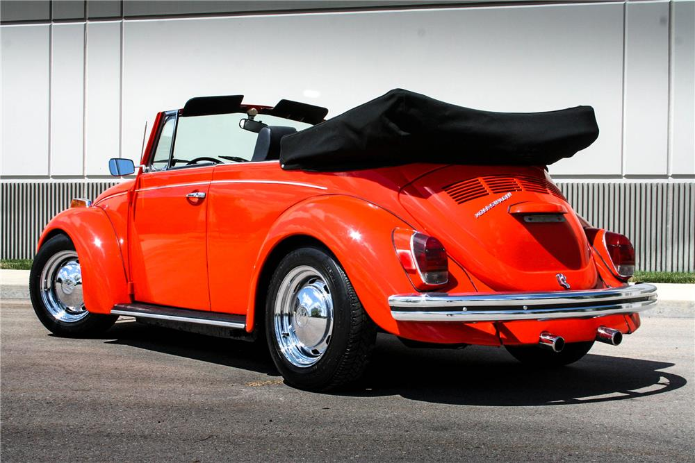 1971 VOLKSWAGEN BEETLE CONVERTIBLE - Rear 3/4 - 187096