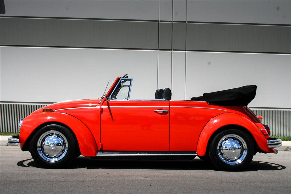 1971 VOLKSWAGEN BEETLE CONVERTIBLE - Side Profile - 187096