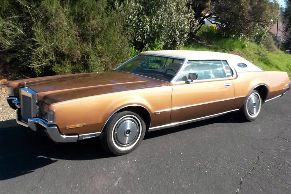 1972 LINCOLN CONTINENTAL MARK IV COUPE - Front 3/4 - 187098